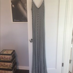 Long black and white stretchy comfortable dress